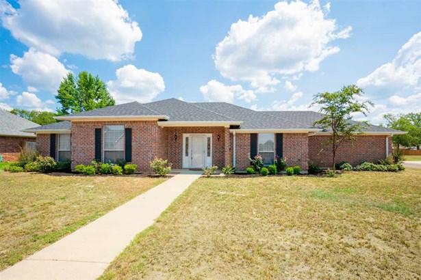 Single Family Detached - Mt Pleasant, TX