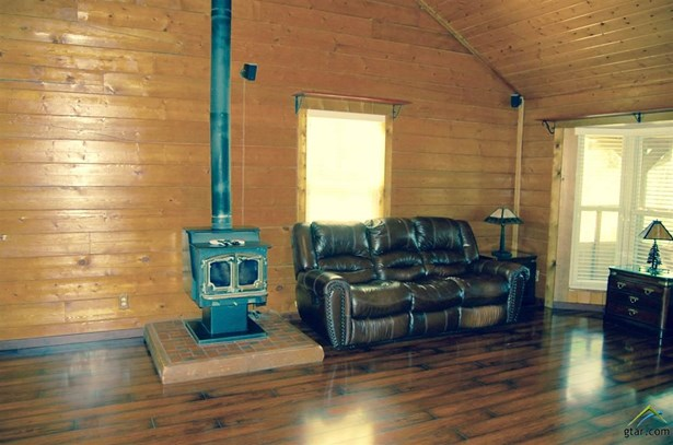 Single Family Detached, Log - Leesburg, TX (photo 4)