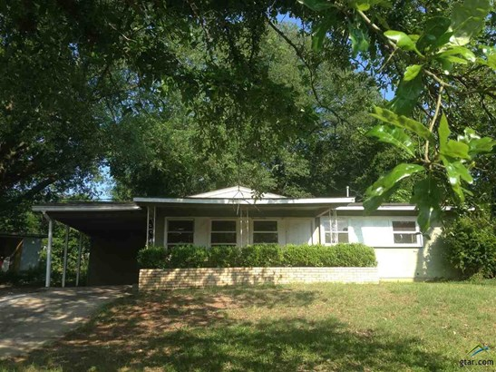 Single Family Detached, Traditional - Lone Star, TX (photo 1)