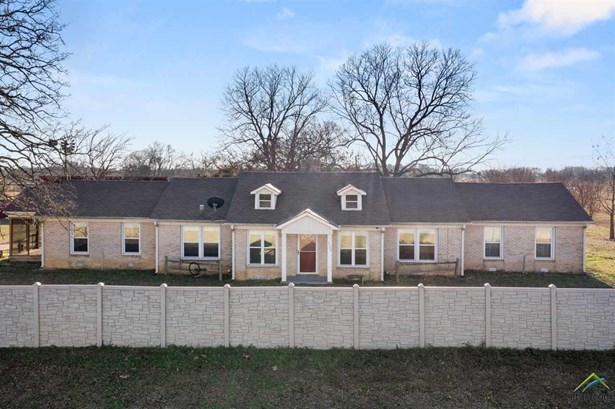 Single Family Detached, Ranch,Traditional - Mt Pleasant, TX