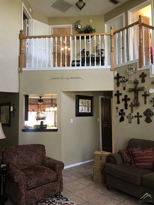 Single Family Detached, Traditional - Hughes Springs, TX (photo 4)