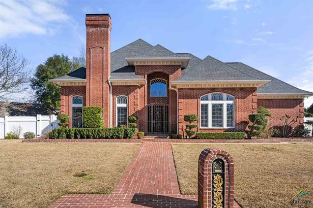 Single Family Detached, Colonial,Traditional - Mt Pleasant, TX