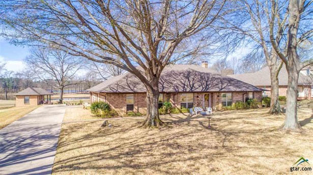 Single Family Detached, Traditional - Mt Pleasant, TX (photo 2)