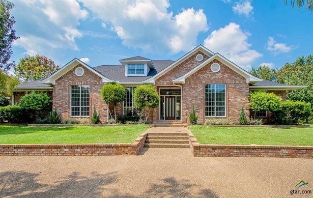 Single Family Detached, Traditional - Mt Pleasant, TX (photo 1)
