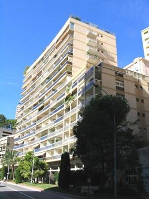 Duplex 4/5 rooms in Larvotto