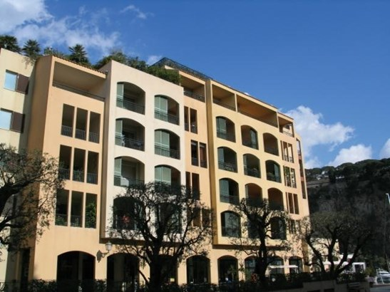 Nice quite 3 bedroom apartment in Fonvieille area