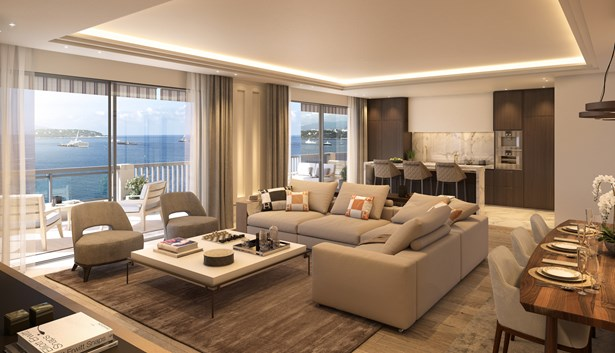 Spacious apartment on the seafront