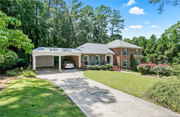 Single Family Residence, Split Foyer - Fayetteville, NC