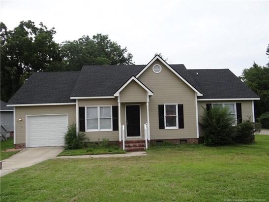 Single Family Residence, Ranch - Hope Mills, NC