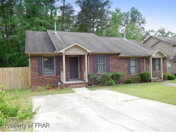 Residential, Duplex - FAYETTEVILLE, NC (photo 2)