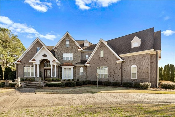 Single Family Residence, 3 Stories - Fayetteville, NC