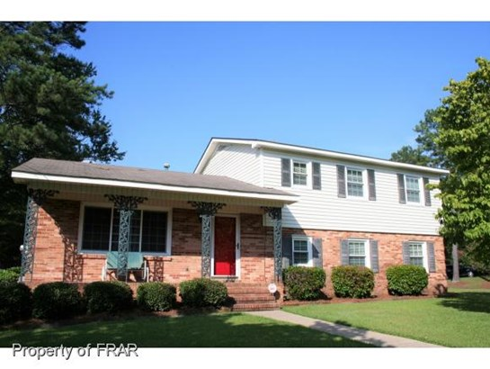 Residential, Tri Level - FAYETTEVILLE, NC