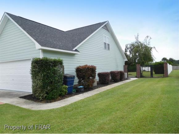 Residential, One and One Half - RAEFORD, NC (photo 4)