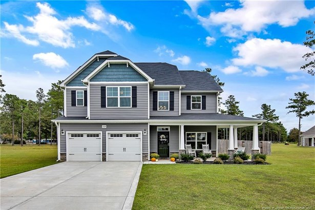 Single Family Residence, 2 Stories - Hope Mills, NC