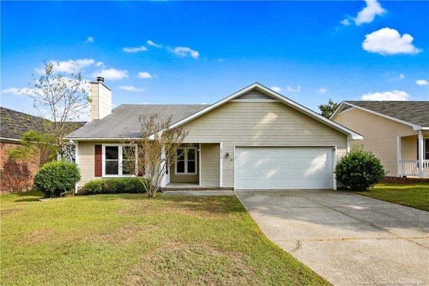 Single Family Residence, Ranch - Fayetteville, NC