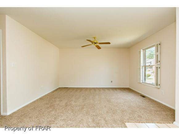 Residential, Duplex - FAYETTEVILLE, NC (photo 5)