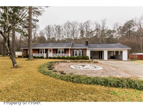 Residential, Ranch - EASTOVER, NC (photo 1)