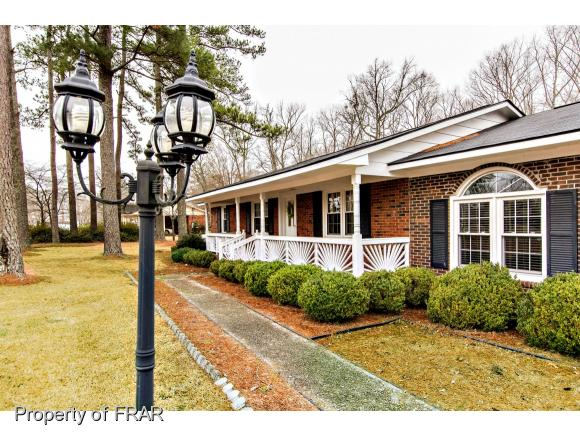 Residential, Ranch - EASTOVER, NC (photo 2)