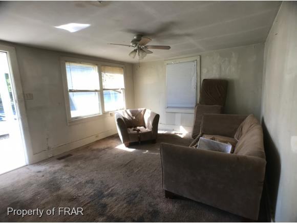 Residential, Bungalow - FAYETTEVILLE, NC (photo 4)