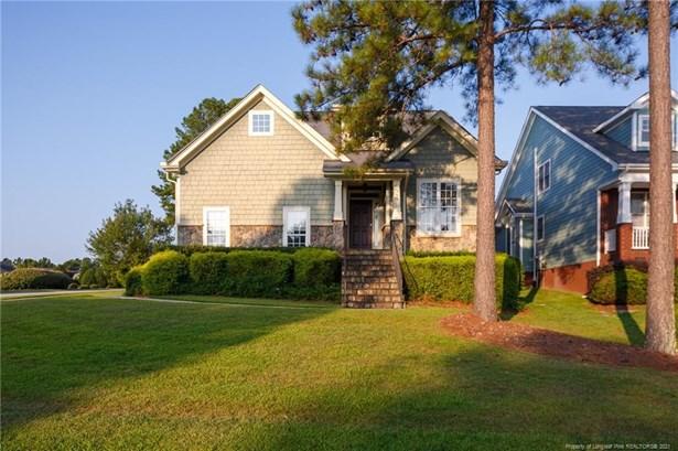 Single Family Residence, 2 Stories - Spring Lake, NC