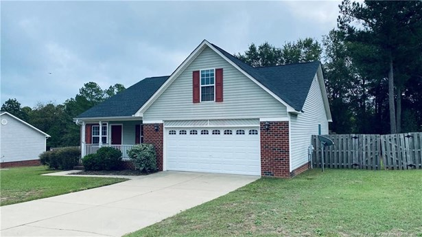 Single Family Residence, Ranch W/Bonus - Raeford, NC