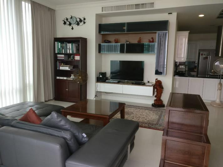 SALE 1Family 3 Bedroom for Sale at Royce in Bangkok, (photo 1)