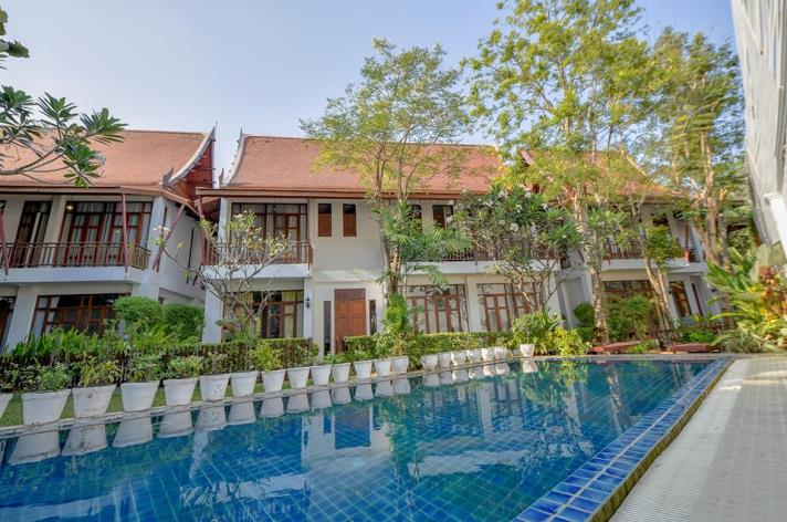 SALE 1Extraordinary 4 Bed House for Sale in Sukhumvit in Bangkok, (photo 1)