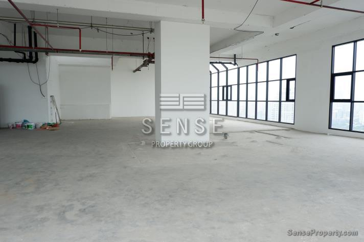 SALE 1Bareshell Penthouse for Sale at Sathorn Gardens in Bangkok, (photo 5)