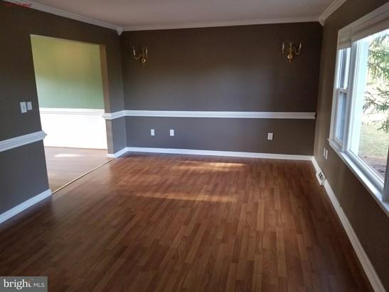 Single Family Residence, Colonial - REMINGTON, VA (photo 2)