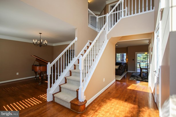 Single Family Residence, Colonial - GAITHERSBURG, MD (photo 2)