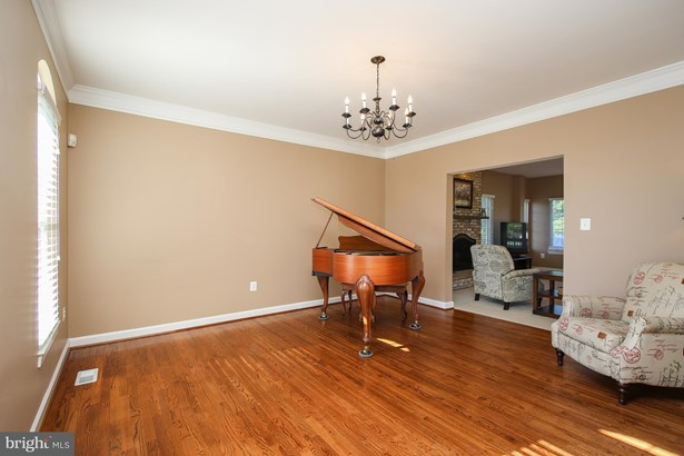 Single Family Residence, Colonial - GAITHERSBURG, MD (photo 3)