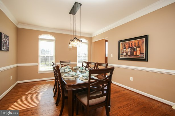 Single Family Residence, Colonial - GAITHERSBURG, MD (photo 4)
