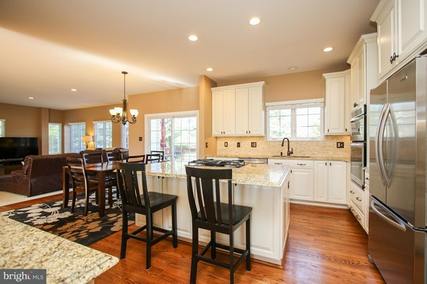 Single Family Residence, Colonial - GAITHERSBURG, MD (photo 5)