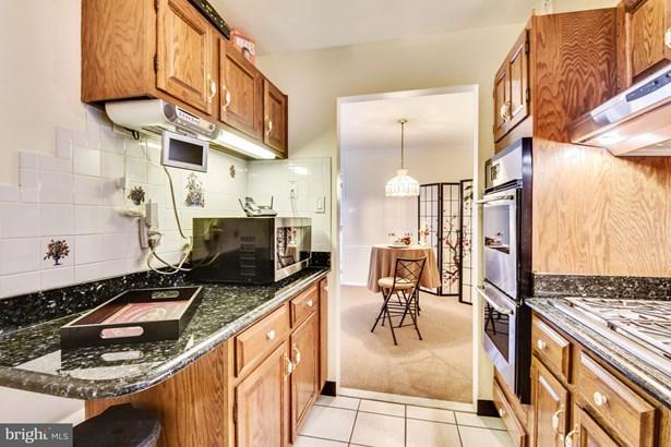 Split Level, Single Family Residence - SPRINGFIELD, VA (photo 3)
