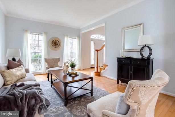Single Family Residence, Colonial - ALEXANDRIA, VA (photo 3)