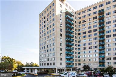 Unit/Flat/Apartment, Contemporary - ROCKVILLE, MD