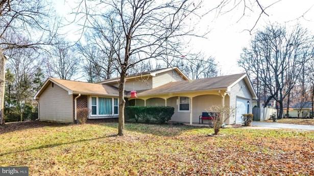 Split Level, Single Family Residence - FREDERICKSBURG, VA (photo 1)