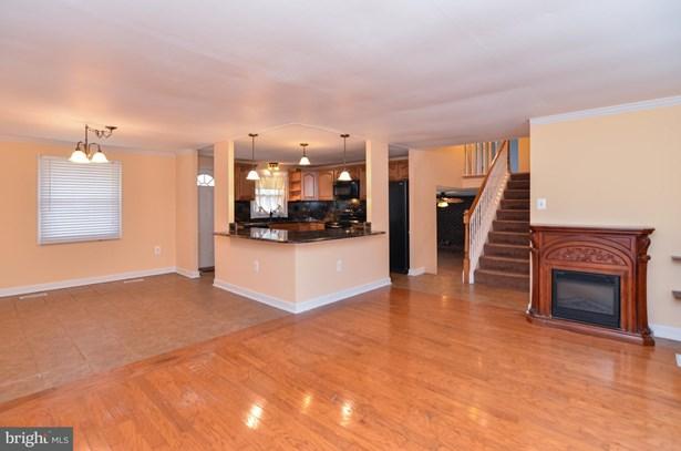 Split Level, Single Family Residence - FREDERICKSBURG, VA (photo 3)