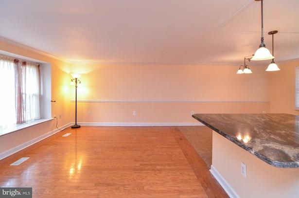 Split Level, Single Family Residence - FREDERICKSBURG, VA (photo 4)