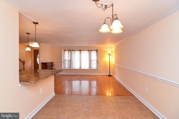 Split Level, Single Family Residence - FREDERICKSBURG, VA (photo 5)