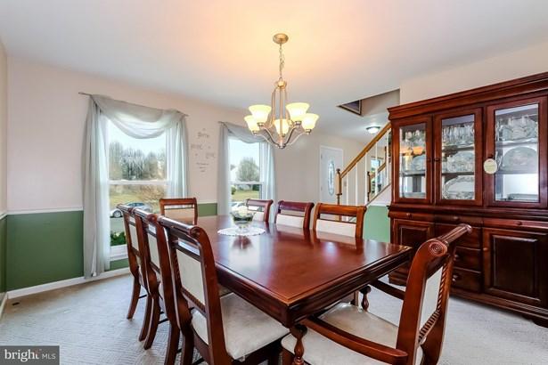 Single Family Residence, Colonial - MANASSAS, VA (photo 4)