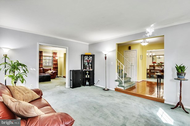 Single Family Residence, Colonial - SILVER SPRING, MD (photo 4)
