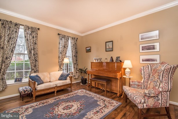 Single Family Residence, Colonial - LOCUST GROVE, VA (photo 4)