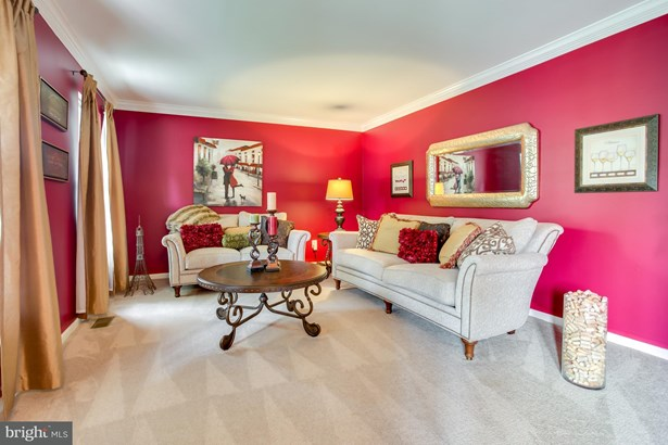 Single Family Residence, Colonial - BRISTOW, VA (photo 3)