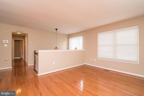 Single Family Residence, Split Foyer - FREDERICKSBURG, VA (photo 4)
