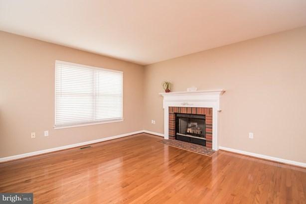 Single Family Residence, Split Foyer - FREDERICKSBURG, VA (photo 5)