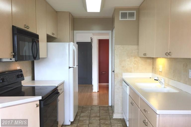 Condo,Hi-Rise 9+ Floors - ARLINGTON, VA (photo 5)