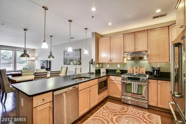 Condo,Mid-Rise 5-8 Floors, Contemporary - ARLINGTON, VA (photo 5)