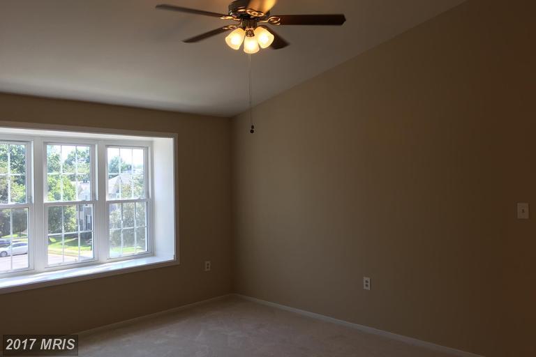 Traditional, Condo,Garden 1-4 Floors - SPRINGFIELD, VA (photo 2)