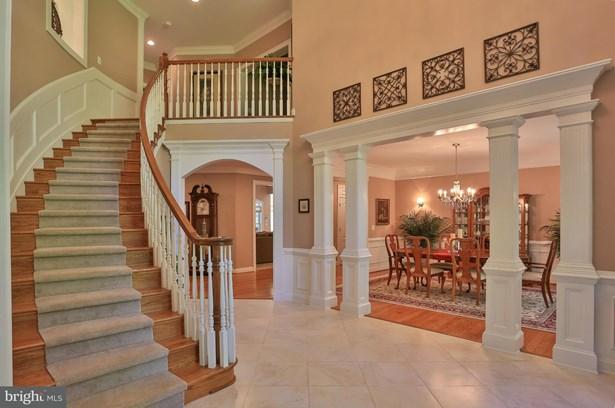 Single Family Residence, Colonial - NOKESVILLE, VA (photo 3)